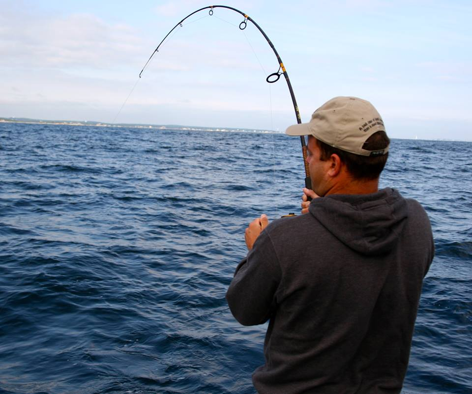 Why you need to have the right pole while deep sea fishing for Fishing at the sea